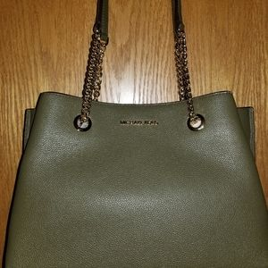 NWT Gorgeous Michael Kors purse with gold handles
